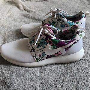 Floral Nike Roshe Run